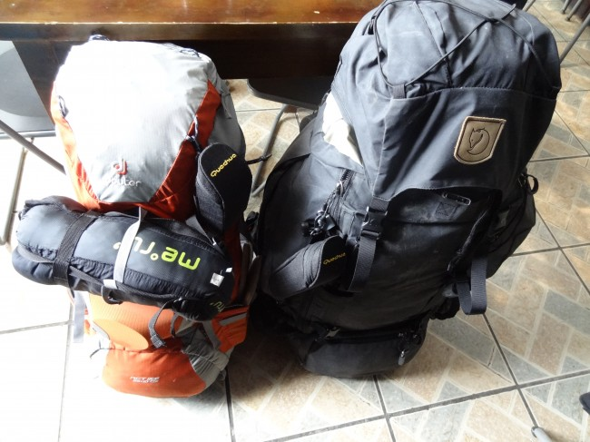 20130517_Xining_gepackte_Backpacks