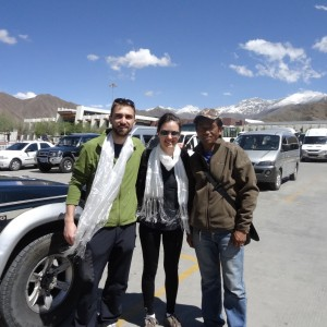 20130518_Lhasa_Ankunft_unser_Guide_Tsering_mit_Jeep