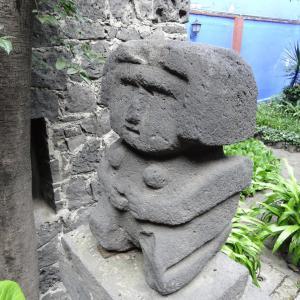 Jardin_de_Casa_Azul_Frida_Kahlo_002