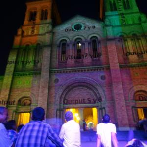 20131217_Parque_Bolivar_Catedral_Metropolitana_y_Rio_Medellin_009