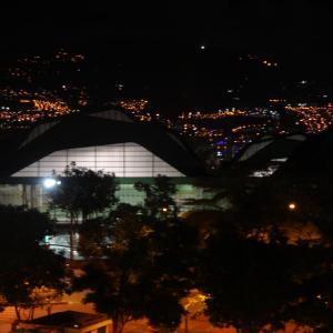 20131217_Parque_Bolivar_Catedral_Metropolitana_y_Rio_Medellin_053