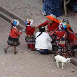20140106_Cafe_Lama_y_Plaza_Mayor_Pisac_007